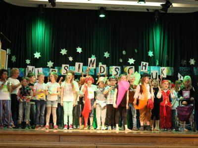 """""""Der kleine Tag"""" Musical von Rolf Zuckowski: eine Aufführung der Grundschule Völkenrode – Watenbüttel"""